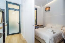 Puerta y dormitorio Si Si Si (1)